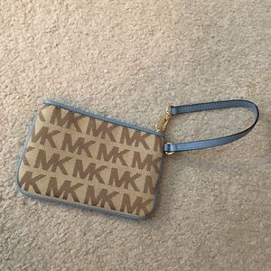 Michael Kors NWOT Tan and Blue Mini Wristlet